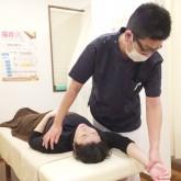 人の手による施術
